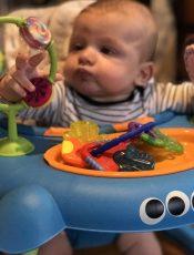 Bébé fait ses dents, au secours !