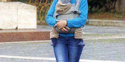 Pourquoi opter pour un porte-bébé physiologique