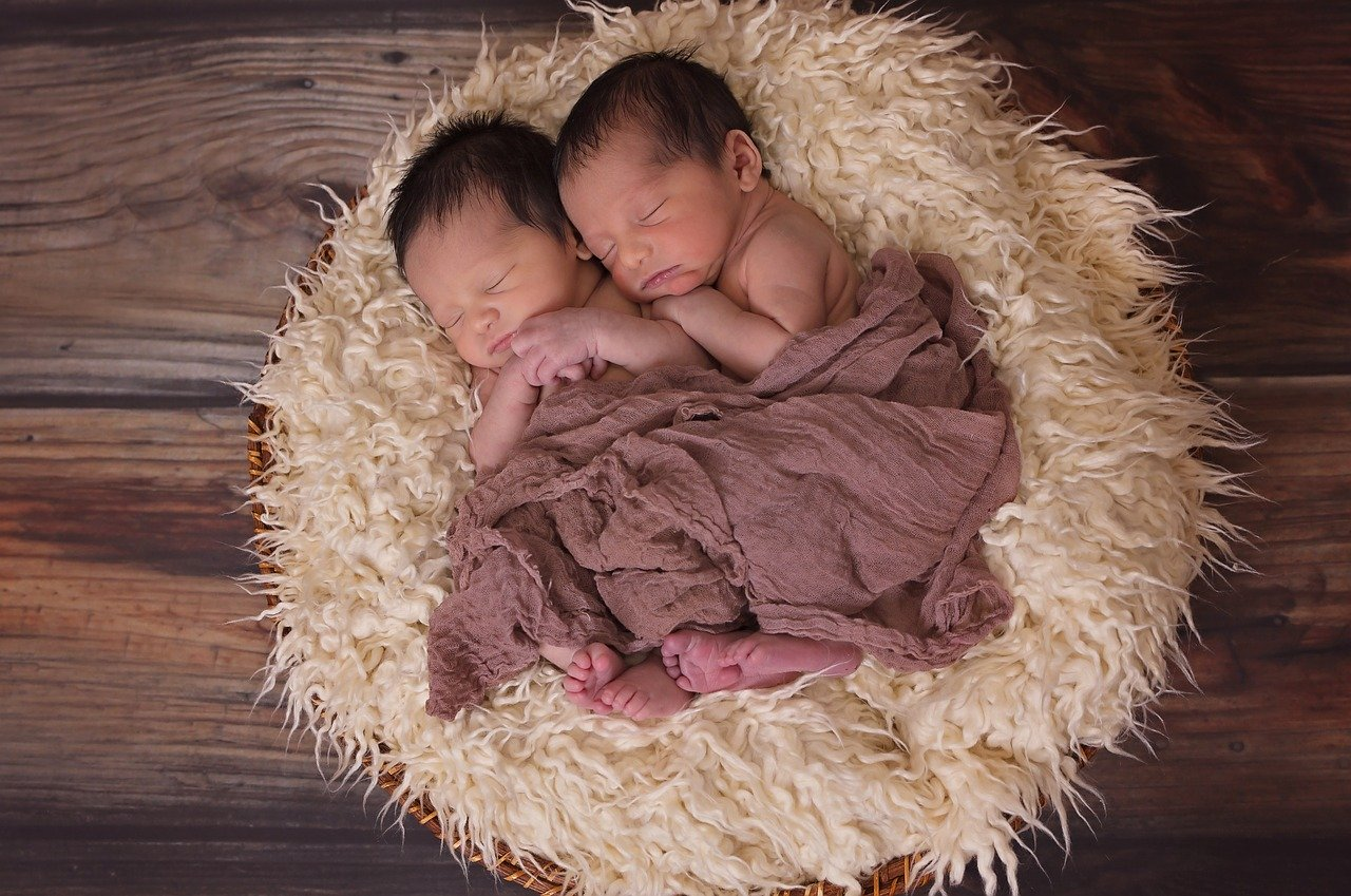 Le confort dans les matériels de puériculture des jumeaux